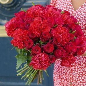 Carnation20And20Rose20Red20Venera20Flowers202 1
